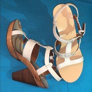 GIVENCHY White Beautiful heels!! SZ 37